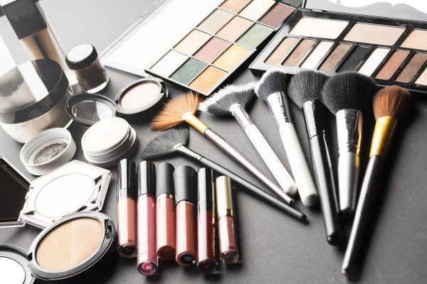 makeup stock getty